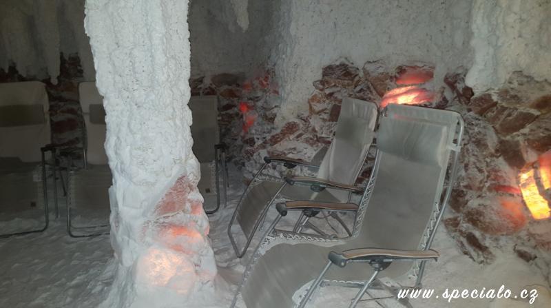 velká solná jeskyně s fontánkou, zadní část